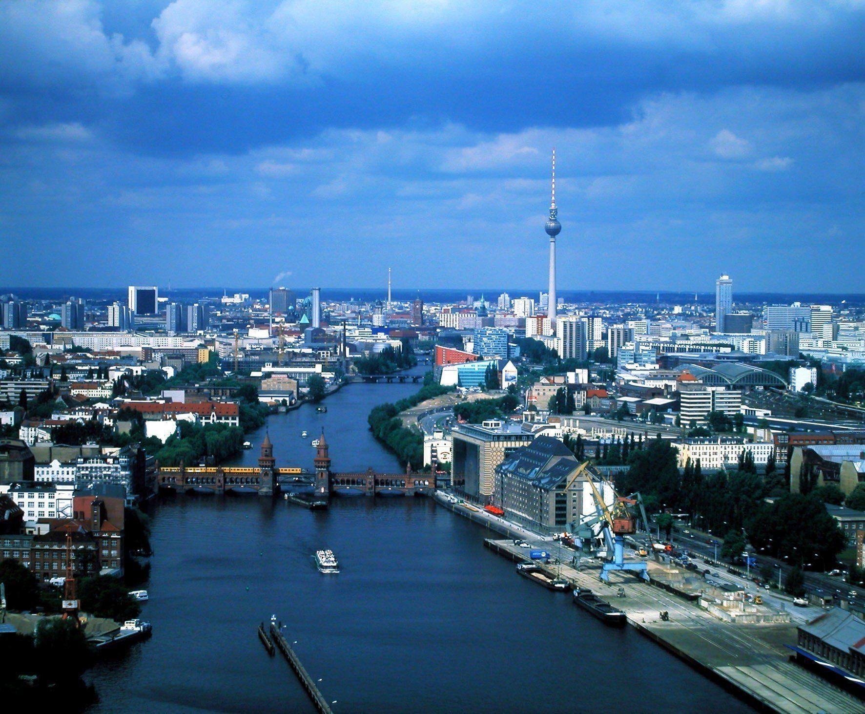 Индивидуальная экскурсия в БЕРЛИН из Карловых Вар Фото -0