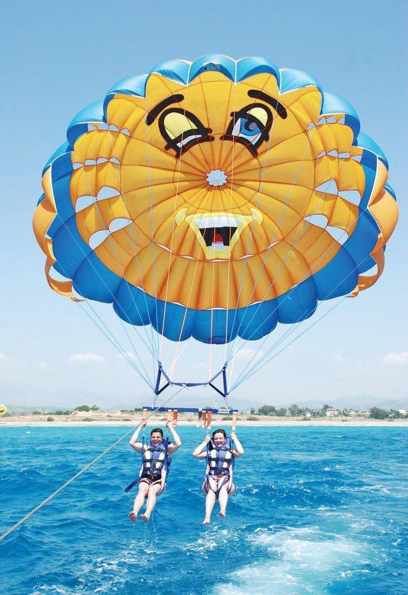 """Парасейлинг в аквацентре отеля """"GOLDEN 5"""" (полет на двухместном парашюте за катером) Фото -3"""