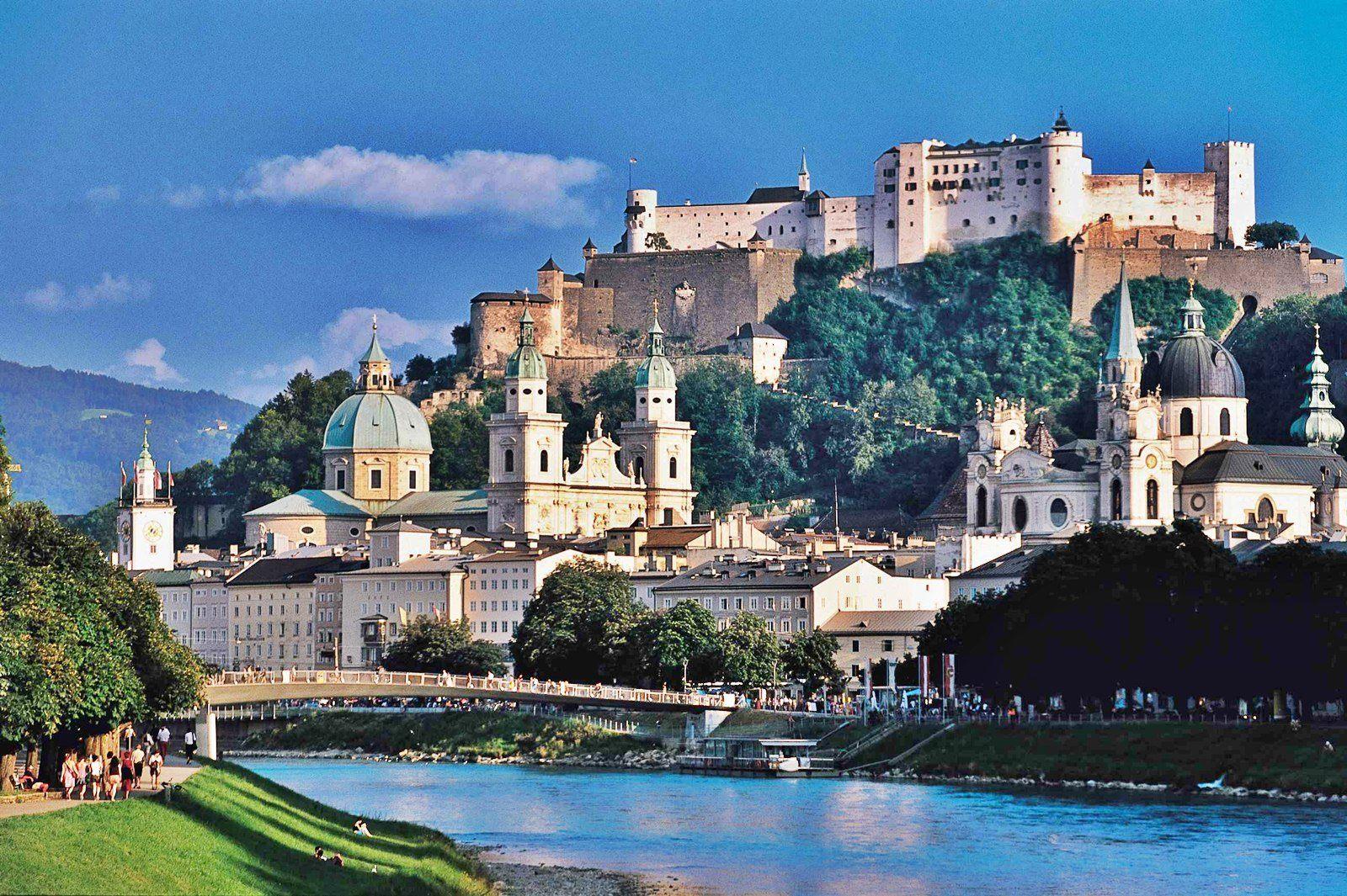Зальцбург, родина великого Моцарта, славится многими архитектурными шедеврами