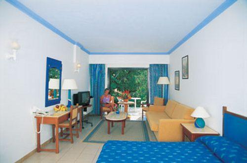 PAPHOS GARDENS HOTEL. Фото -5