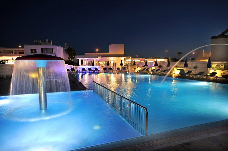 EURONAPA HOTEL APARTMENTS. Фото -1