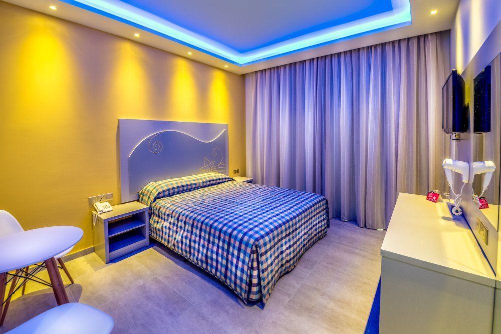 NICOLAS COLOR HOTEL. Фото -11