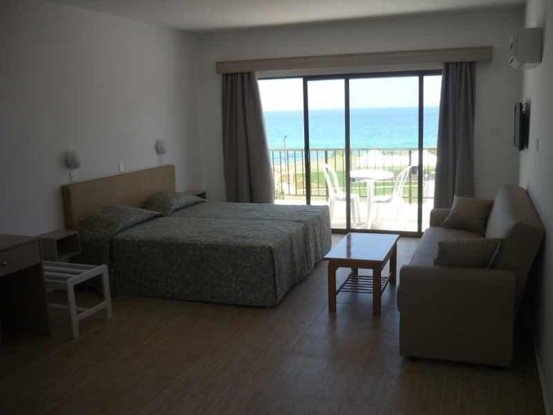 PINELOPI BEACH HOTEL APTS. Фото -23