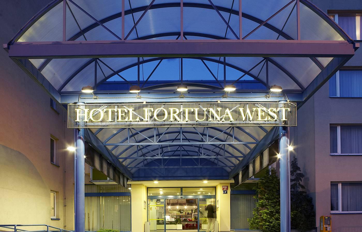 FORTUNA HOTEL WEST