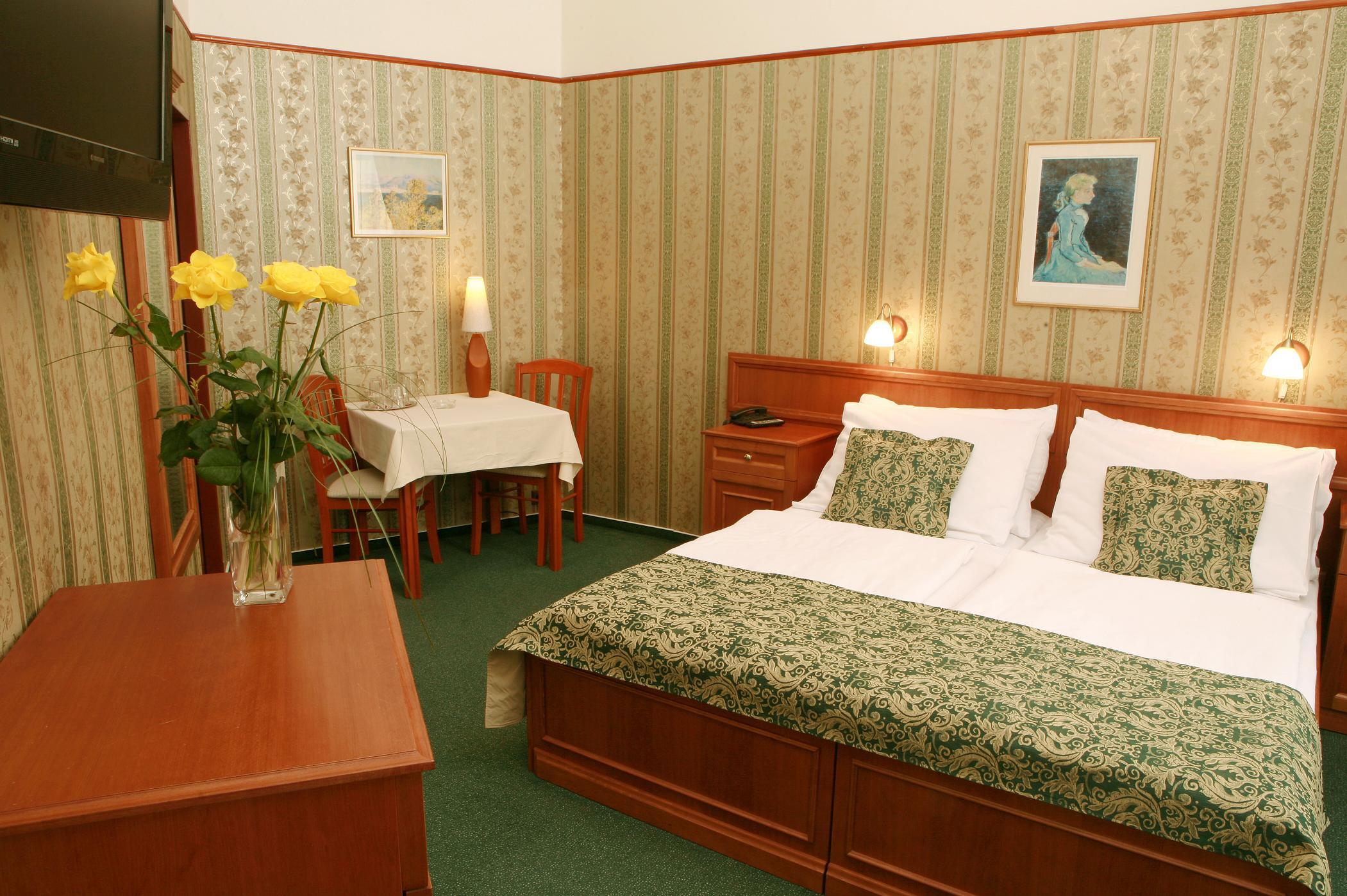 OLD PRAGUE HOTEL. Фото -10