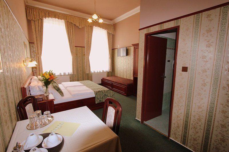 OLD PRAGUE HOTEL. Фото -12