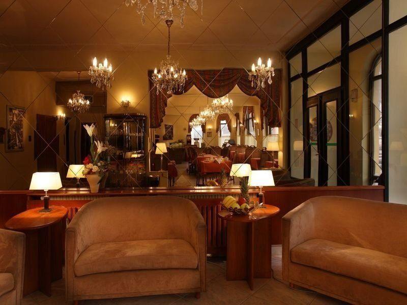 KAVALIR HOTEL. Фото -2