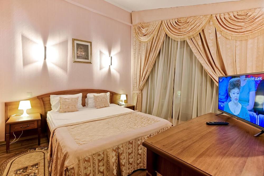 ТРОЙКА, отель. Фото -16