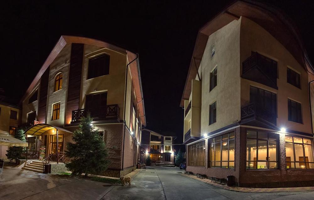 ТРОЙКА, отель. Фото -2