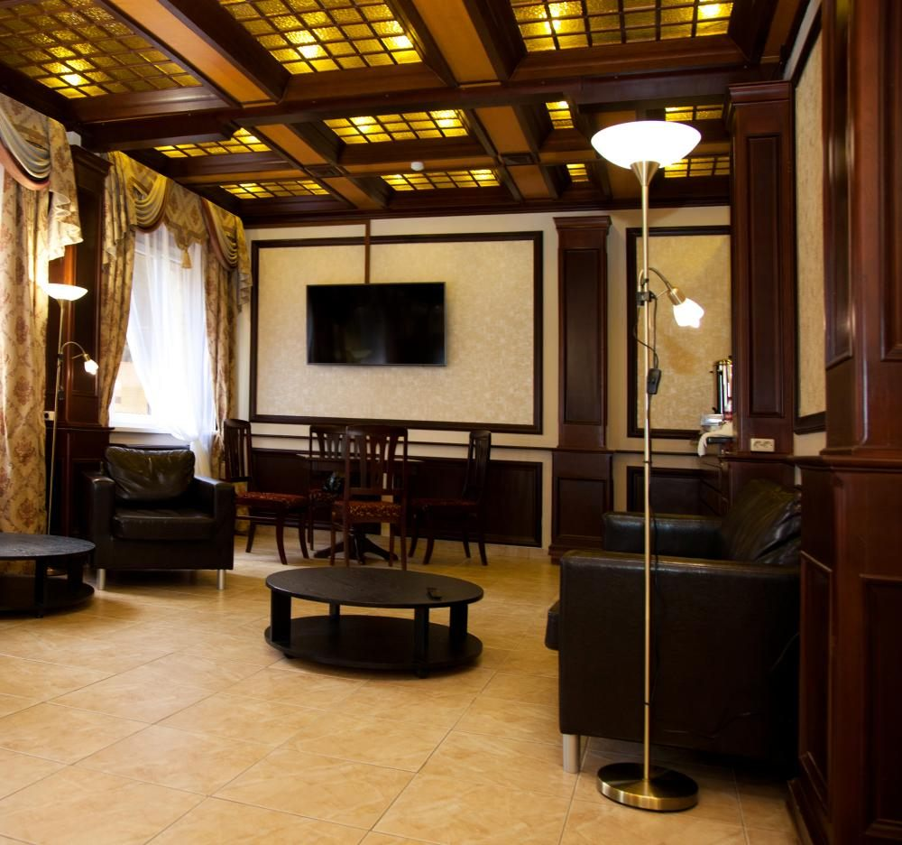 УТОМЛЕННЫЕ СОЛНЦЕМ, отель. Фото -6