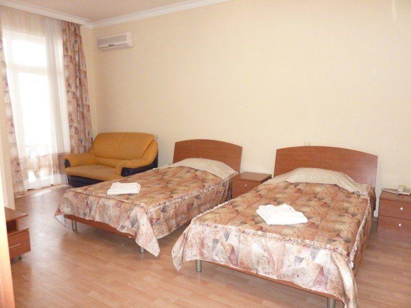 ЯНАИС, отель. Фото -11