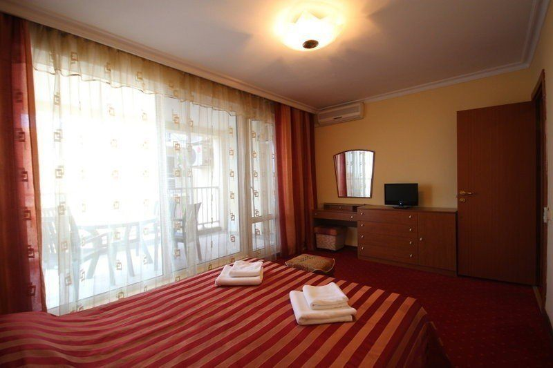 ЯНАИС, отель. Фото -8