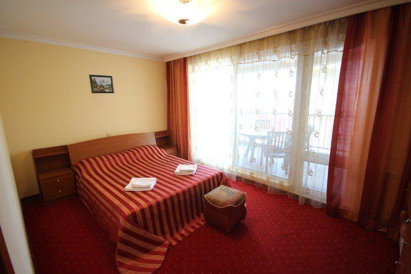 ЯНАИС, отель. Фото -9
